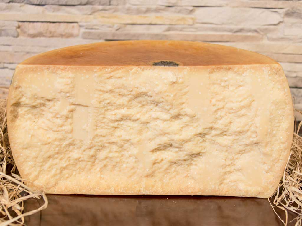 parmigiano reggiano dop 24/26 mesi mezza forma taglio verticale