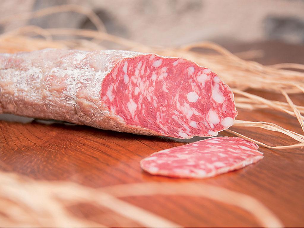 "salame stagionato (cured salami) di cantina de ""I Salumi di Cantina"" di Italia dei Sapori"