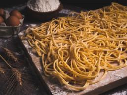 spaghetti alla chitarra pasta fresca lunga italia dei sapori
