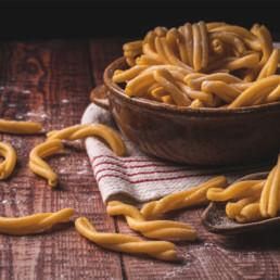 strozzapreti pasta fresca corta italia dei sapori